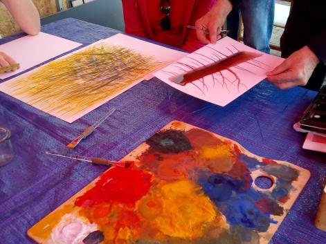 2) Comment la peinture glisse sur le papier... tout en étant stoppée par l'eau